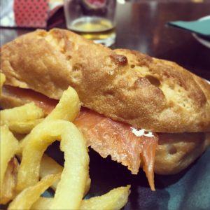 Montadito de palometa con roquefort gluten free